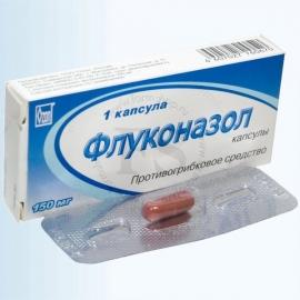 golaya-zhenshina-v-bosonozhkah